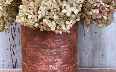 DIY Rusted Tin Bucket